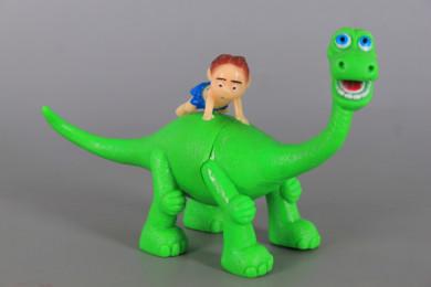 Динозавър /Дете герой