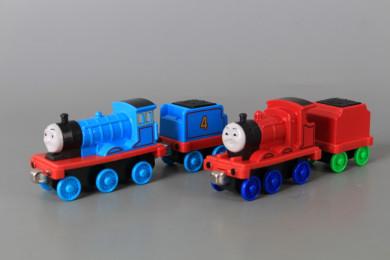 Метални локомотивчета и вагончета - 4 бр