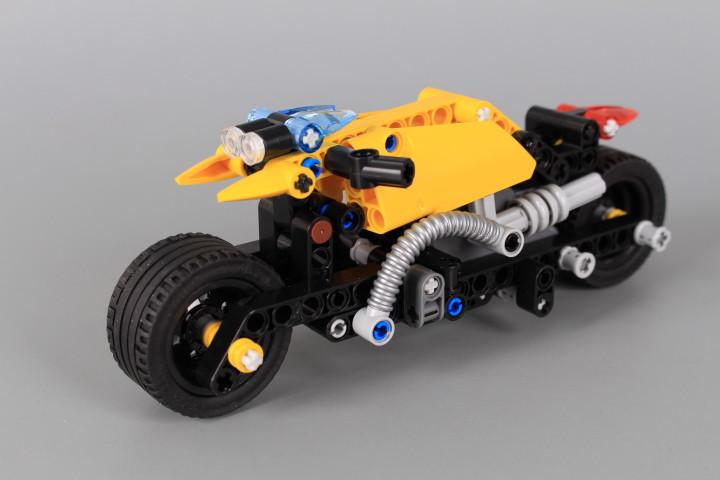 Конструктор Пистов мотор (Pull-Back)-140 елемента