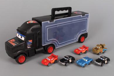 Камион и шест коли