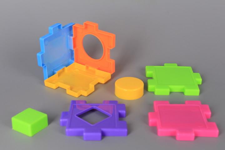 Пъзел-конструктор и формички