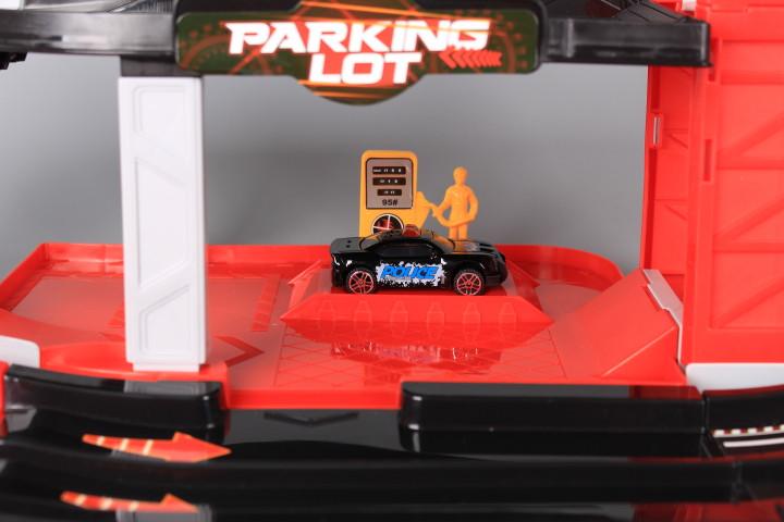 Паркинг на два етажа с два катапулта, елеватор, 4 метални коли и хеликоптер