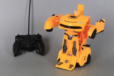 Радиоуправляем Трансформер кола/робот със зареждащи се батерии
