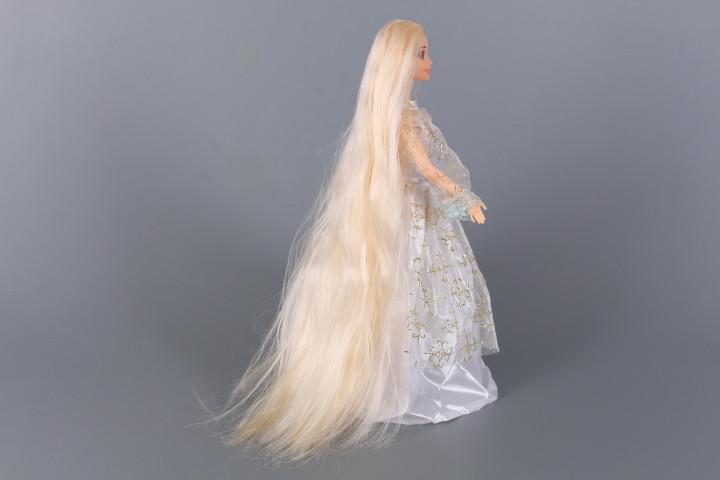 Кукла с дълга коса