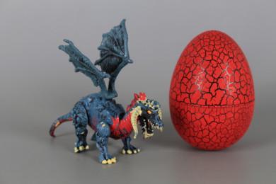 Дракон в яйце