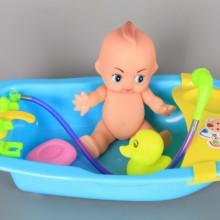 Бебе във вана