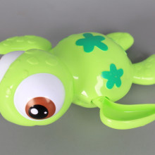 Плуваща костенурка за вана