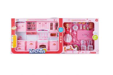 Кухня с обзавеждане и кукла