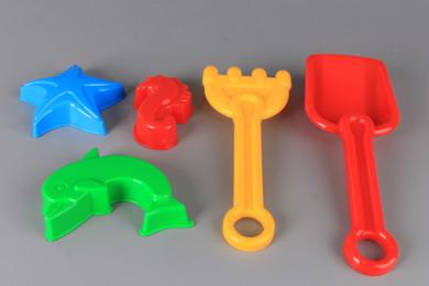 Гребло, лопатка и 3 формички