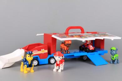 Камион-паркинг с кученца