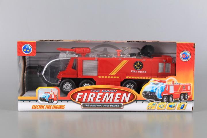 Пожарна кола пръскаща вода