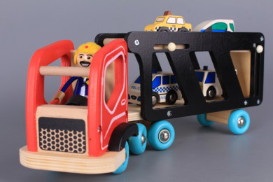 Дървен автовоз с 4 коли