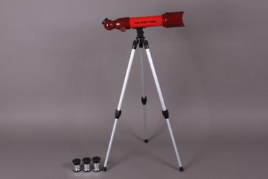 Телескоп с триножник
