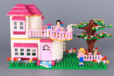 Конструктор къща с градинка-409 ел.